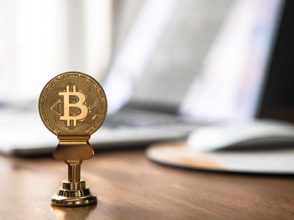 Grayscale Hires Global Head Of ETFs, Says It Is 100% Committed To Converting Its Largest Bitcoin Fund