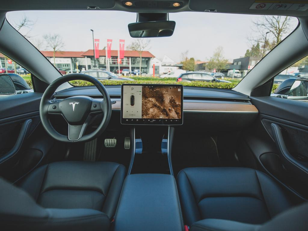 Tesla Rolls Out Full Self-Driving Beta Version, With A 'Slow' And  'Cautious' Approach