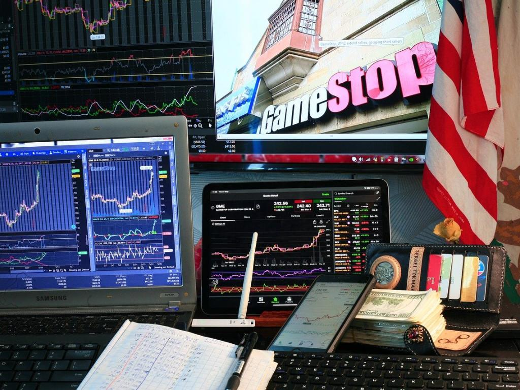 EXCLUSIVE: WallStreetBets Founder Talks GameStop, AMC, Robinhood, Crypto On 'Power Hour'