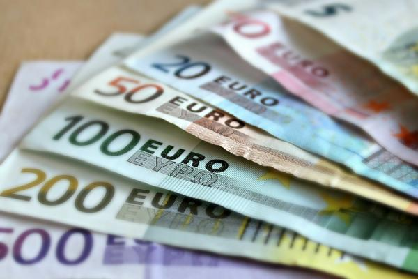 EUR/USD Forecast: Technical Breakout Supports A Continued Advance Heading Into The Weekend