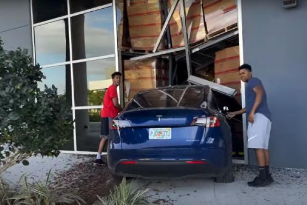 Video Shows Tesla Model Y Driver Crash Into Building, Walk Away