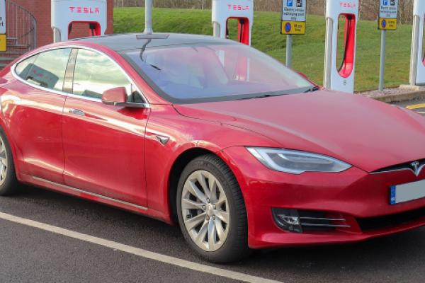 Tesla Faces Class Action Over Allegedly Covering Up Model S, X Suspension Defects