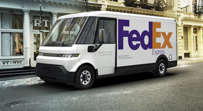 GM Reveals Electric Delivery Van With Connected Pallets