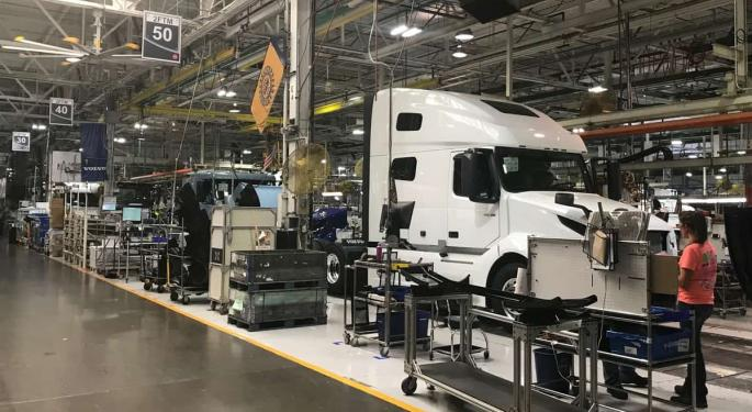 Volvo And Mack Suspend Truck Production