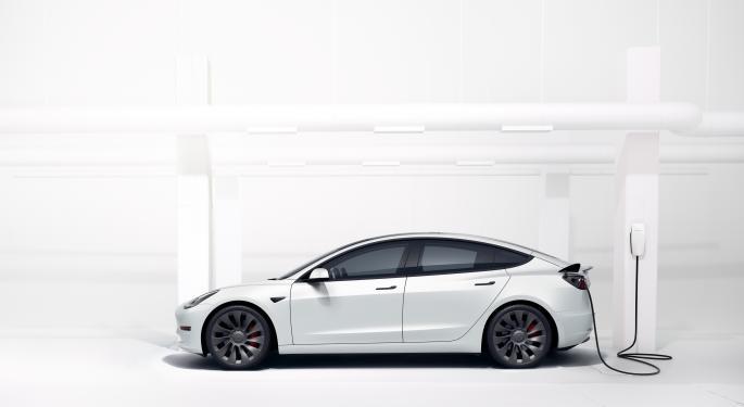 El Tesla Model 3 ya no es 'favorito' en Consumer Reports