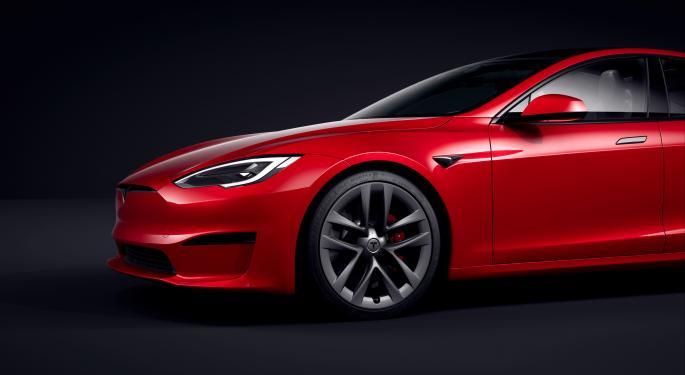 """Model S Plaid, """"el mejor coche"""" de Tesla según Musk"""