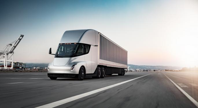 Tesla lanzará un programa de servicio para el camión Semi