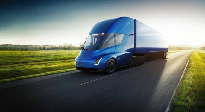 Tesla pretende fabricar 5 camiones Semi a la semana