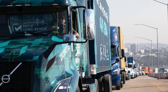 Volvo Gets $21.7 Million In Grants For 70 Electric Class 8 Trucks