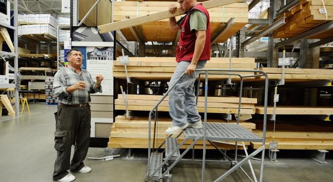 Despite Rate Worries, the Housing Market Looks Good to Home Depot and Lowe's