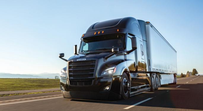 Feds Fine Daimler Trucks $30M For Slow Recall Reporting