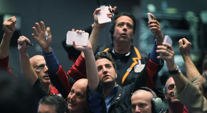 IBM's Report Weighs On The Dow, Apple Helps Boost The Nasdaq, S&P 500 Extends Winning Streak