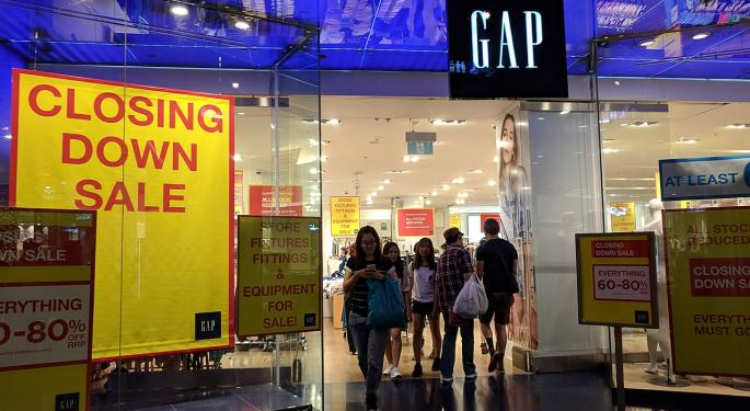 Gap Reports Q3 Beat, Announces Hundreds Of Store Closings: The Sell-Side Reacts