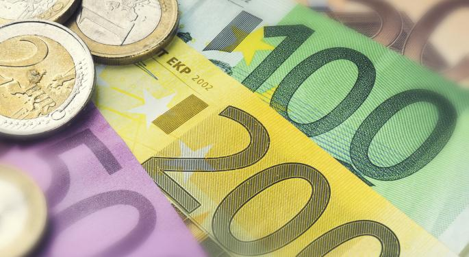 Euro Slides Farther As Central Bank Policies Diverge