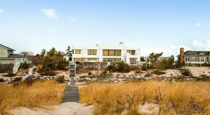 Check Out This Westhampton Beachfront Compound In The Hamptons For $28M