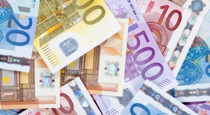 Euro Makes Modest Gains After Selloff