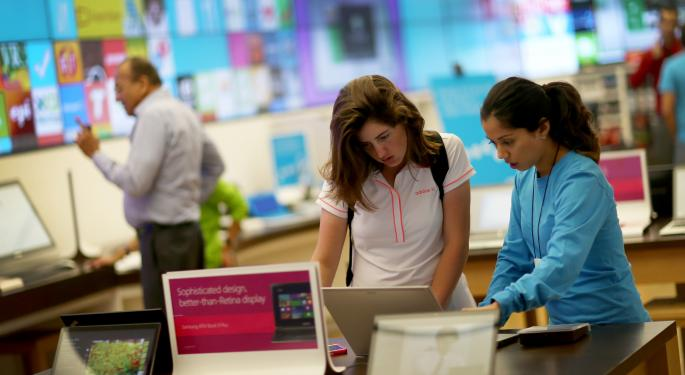 Can Microsoft Corporation Win The Retail Race With New Stores?