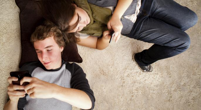 Why Are Teens Abandoning Facebook for Messaging Apps?