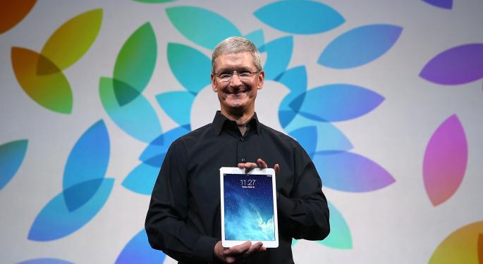 Apple Crossed $700B - Will Microsoft Soon Follow?
