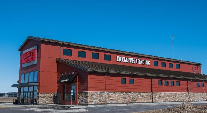 DA Davidson Upgrades Duluth Holdings After Pullback, Says Top-Line Growth Ahead