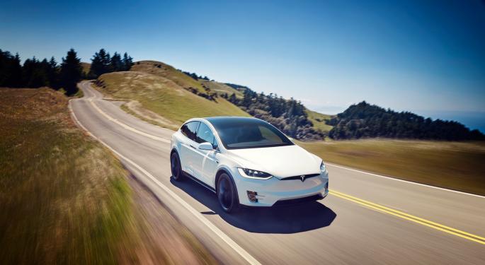Tesla Model X's Range Increases To 371 Miles Per Charge