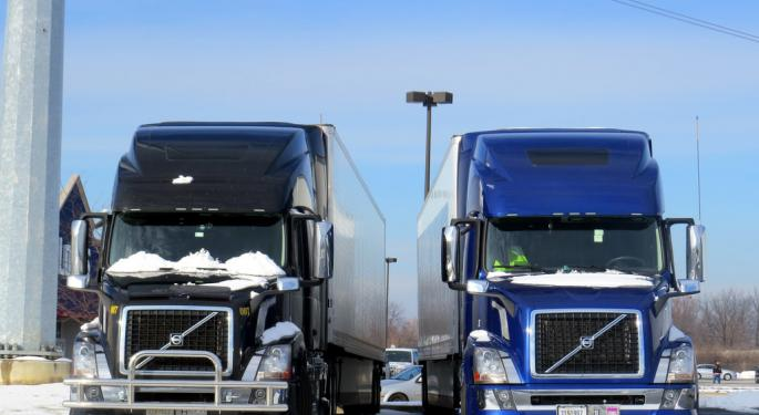 """Truckers Group Planning to """"Shut 'Em Down"""" on April 12 in Nationwide Protest"""
