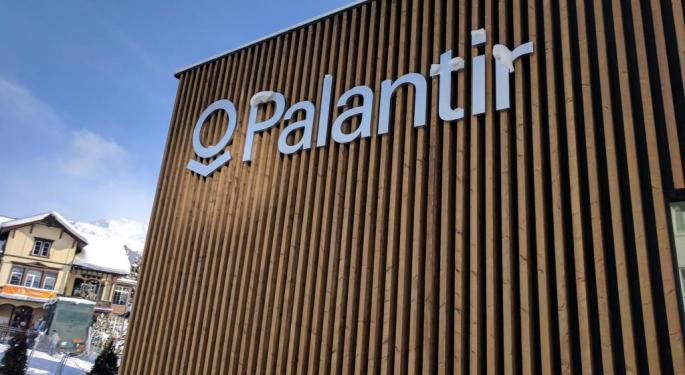 Palantir Shares Sink As Company Raises Guidance, Lands Major Contracts In Q3