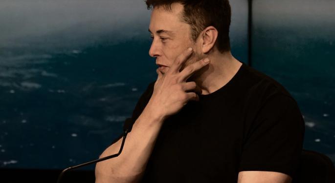 Tesla Share Frenzy Means Elon Musk May Enjoy $1.8B Personal Windfall