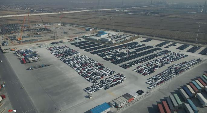 Mass Amount Of Tesla Model Y Vehicles Spotted At Gigafactory Shanghai, Appear Ready For Delivery