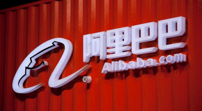 Cathie Wood sigue vendiendo Alibaba y apuesta por sus rivales