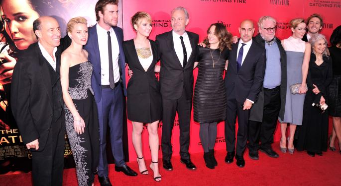 'Catching Fire' Ignites Box Office, Surpasses Debut of 'Frozen'