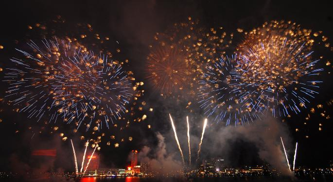 Isiah Thomas Assists In Annual Detroit Fireworks Fundraiser