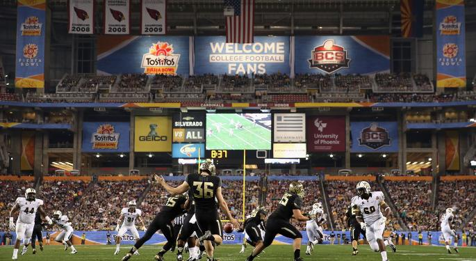 Bitcoin Enters American Pop Culture, Partners With ESPN & NCAA Football