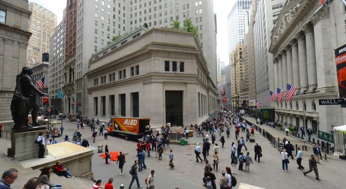 Markets Gain; Foot Locker Posts Upbeat Profit