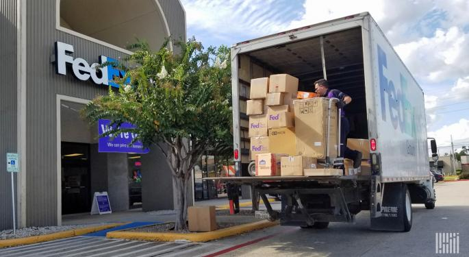 FedEx, UPS Holiday Advice To Big Shippers: Bring The Big Wallet