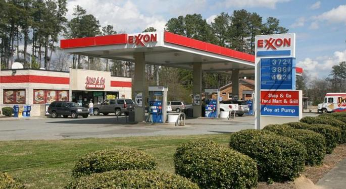 Exxon Mobil Down On Preview Of Weaker Q3, But Sell-Side Says Warning 'Relatively Benign'