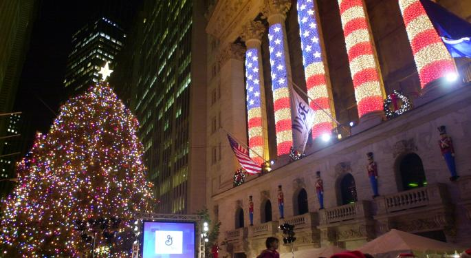 Give The Gift Of Value: Holiday Gift Ideas For The Should-Be Investor