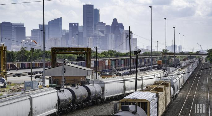 US Weekly Intermodal Traffic Goes Positive For First Time In Months