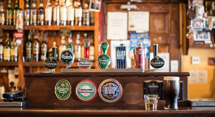 4 Disruptive Trends In The Alcohol Industry: What's On Tap For Anheuser Busch, Molson And Sam Adams?