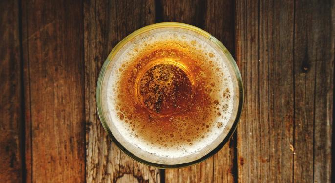 Super Bowl Beer Consumption Down Overall: Michelob Sales Rise, Bud Light Falls