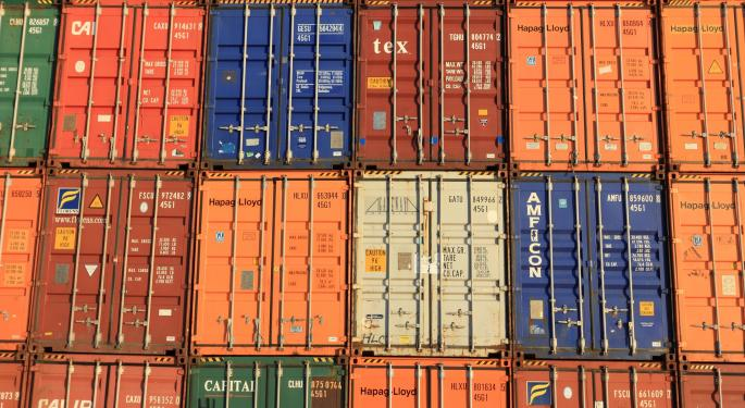 Trans-Pacific Box Volumes Contract First Time In Decade