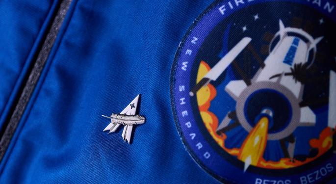 Jeff Bezos' Blue Origin Loses Lead Engineer Working On Lunar Program To Elon Musk's SpaceX