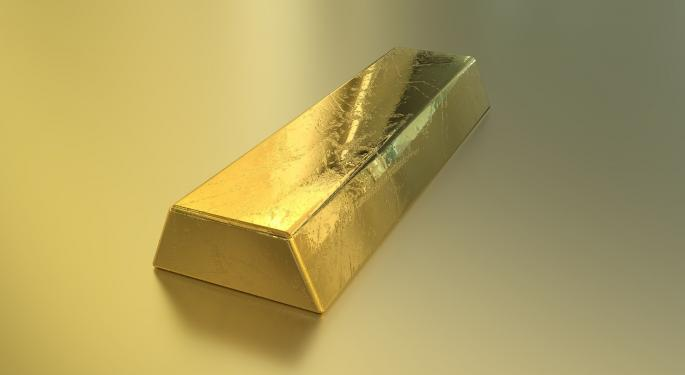 Gold Rally Stalls As Prices Settle Around $1,700, Analyst Expects Further Pullback