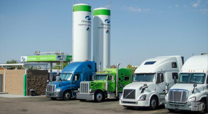Growth In Carbon Neutral RNG Spotlights Debate On Electric- Vs. Renewable-powered Trucks