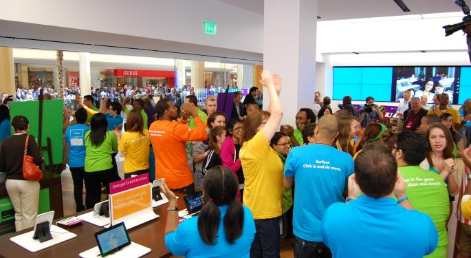 Microsoft One-Ups Apple Store with Massive Nationwide Launches MSFT