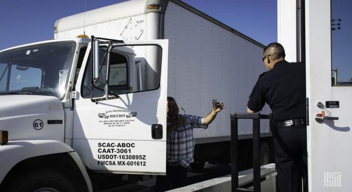 Customs Brokers Applaud US Customs Keeping Borders Open To Cargo