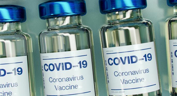 California reanuda inmunización con la vacuna de Moderna