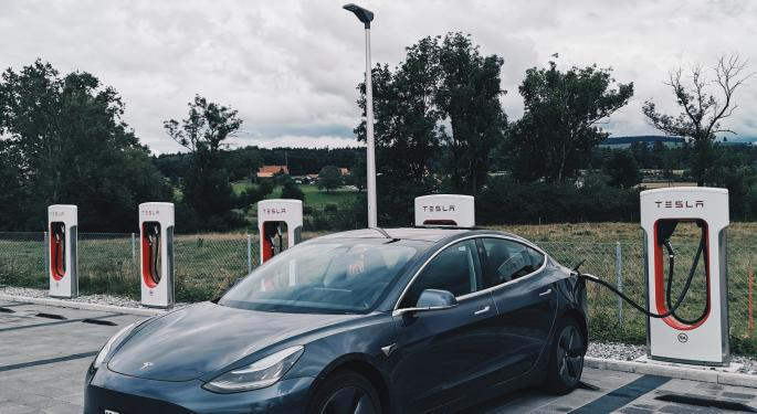 Tesla Opens The World's Largest Supercharger Station
