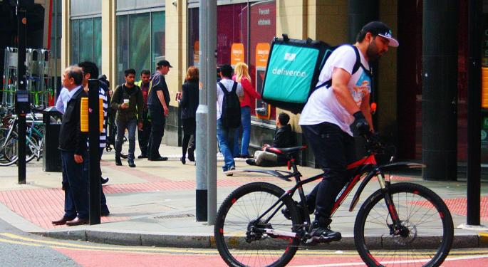 Amazon-Backed Deliveroo Plunges In London Debut: FT