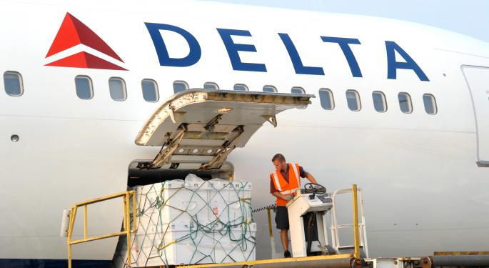 Delta Posts First Quarterly Loss Since 2010
